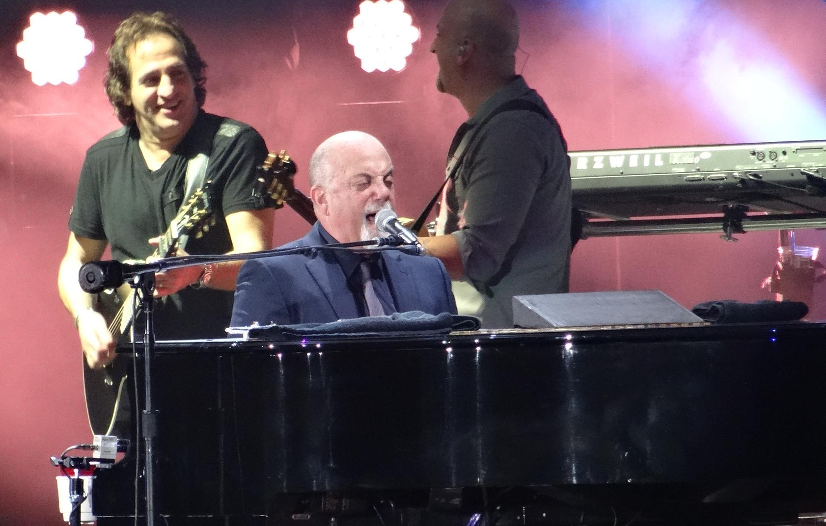 billy joel playing piano - photo #22